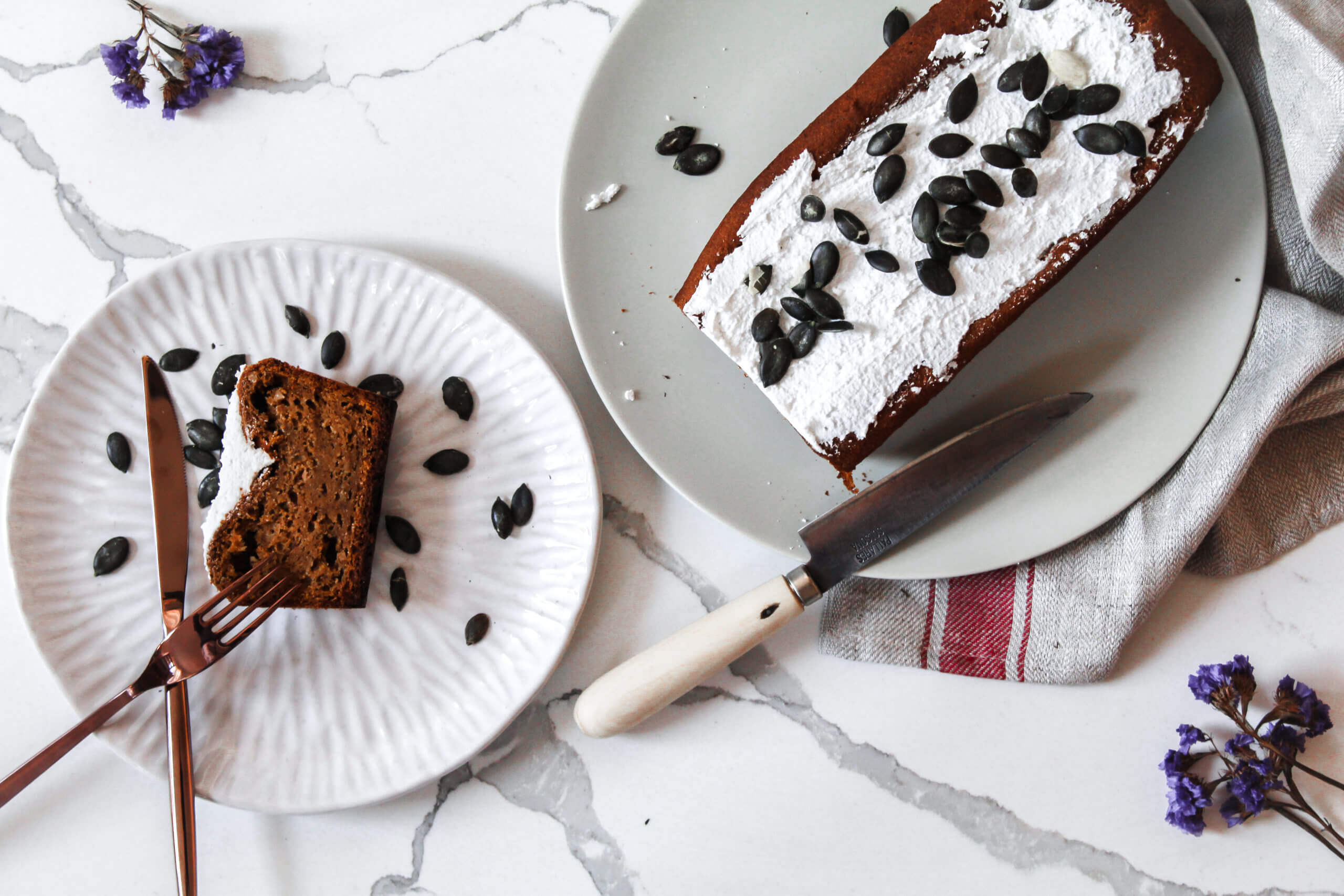 sustainable and healthy-lifestyle influcencer ahres her recipe for the perfect banana bread