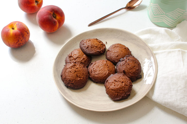 The healthy lifestyle blogger shares an amazing and simple recipe of gluten-free almond cookies.