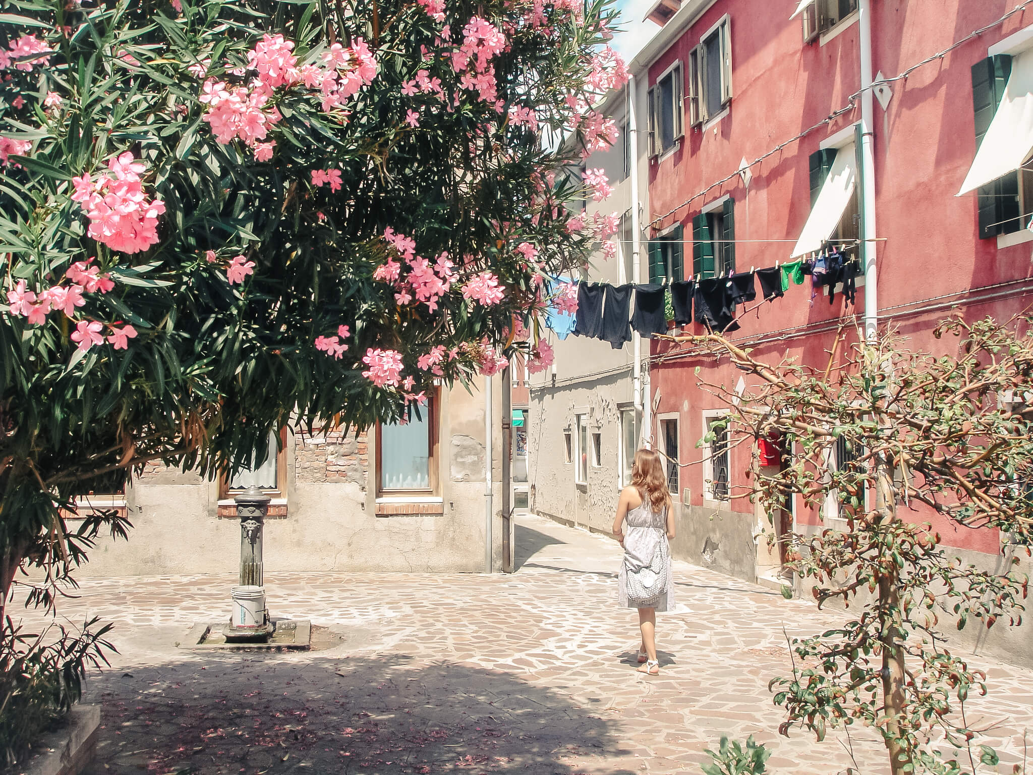 Sustainable and Vegan Lifestyle influencer shares her trip to Venezia!