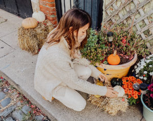 Sustainable and Vegan Lifestyle influencer shares her 5 fall closet sustainable essentials!!