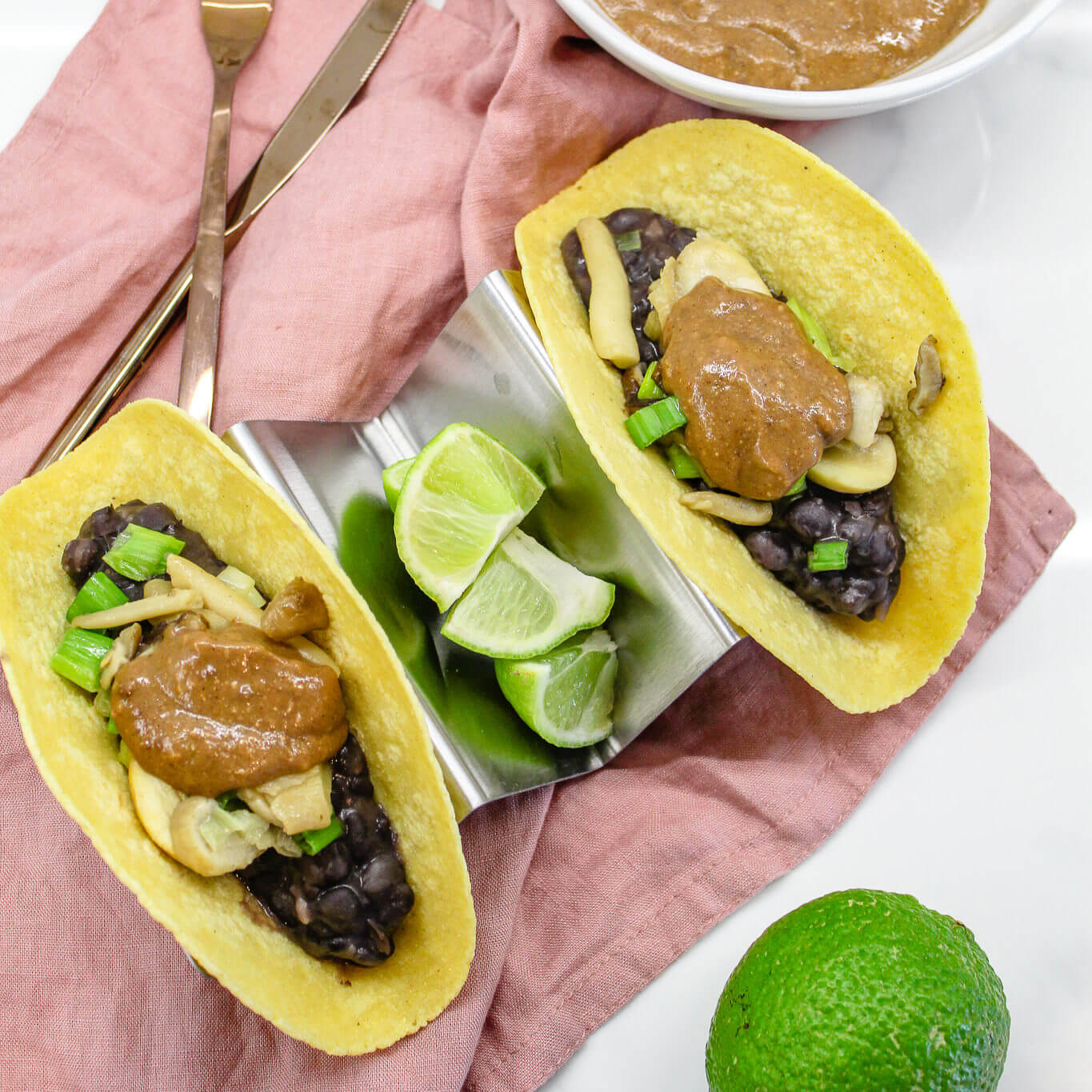 Sustainable and Vegan Lifestyle influencer shares her delicious Mole tacos recipe !!