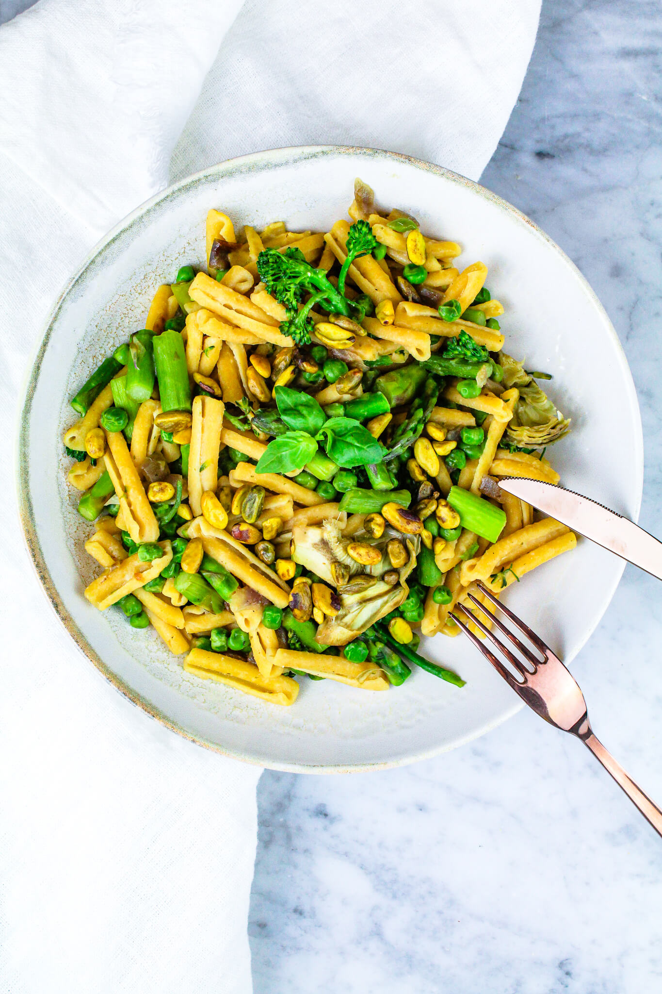 Sustainable and Plant-based Lifestyle influencer shares her delicious Spring Pasta Bowl recipe!