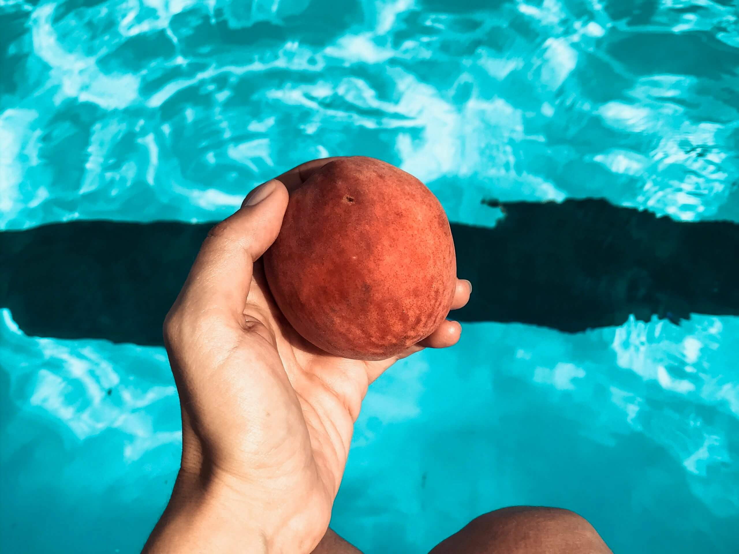 Sustainable and Vegan Lifestyle influencer shares all about peaches and an amazing summer recipe!!