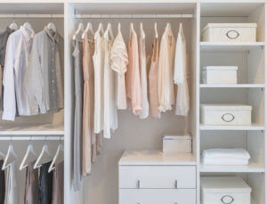 How-to-Edit-Yourself-to-a-Sustainable-Wardrobe-by-Robyn-Davies-at-Sanzas-Chic-Kitchen